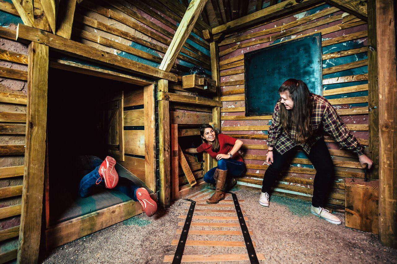 Time for an Escape Game: Virtual Escape Rooms